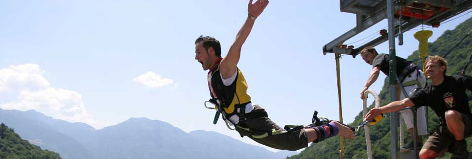 /en/bungy-gallery/bungy-jumping-classic