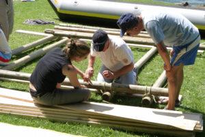 Katamaranflossbau als Teambuilding | Trekking Team AG