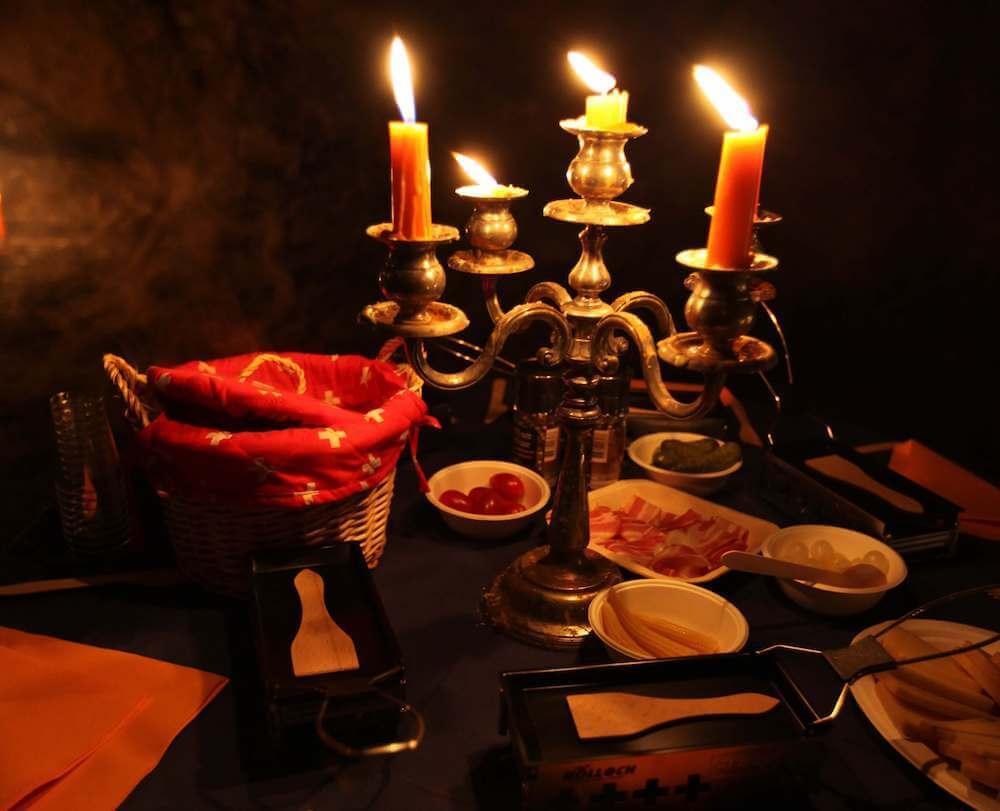 Kerzenlicht Höhlen-Raclette   Trekking Team AG