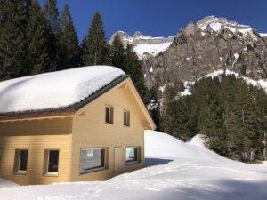 Winterstimmung Berghaus Pragelblick| Trekking Team AG